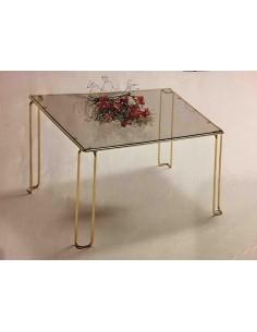 Tavolino da salotto quadrato in metallo ottonato con piano vetro